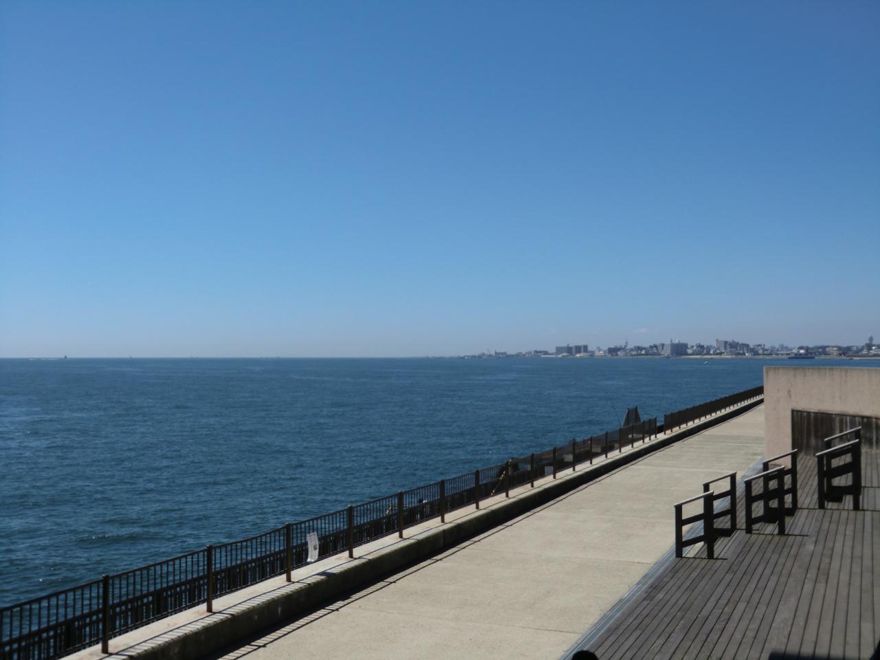明石大橋から九州方向